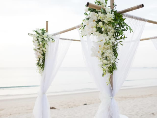 Phuket Romantic Beach Marriage Ceremony (36)