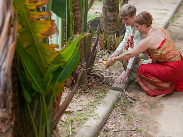 Thai Monks Wedding Blessing (12)