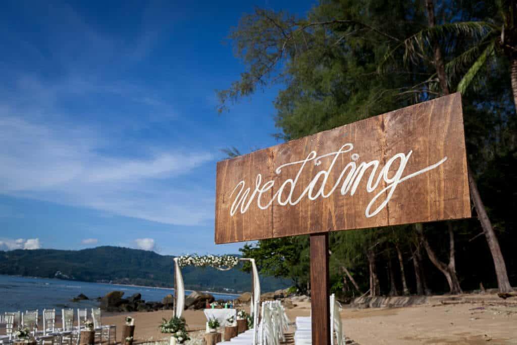 Professional Wedding Planner On The Beach