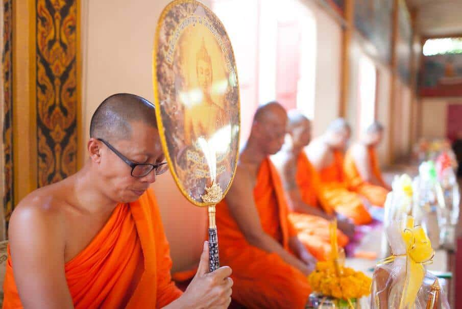 Monk-thai-wedding